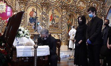 У Києві завершилася панахида по батькові Порошенка, її провів Єпіфаній
