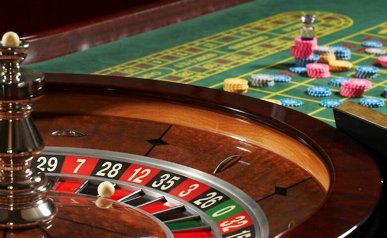 Казино как правильно писать гостиница казино что это