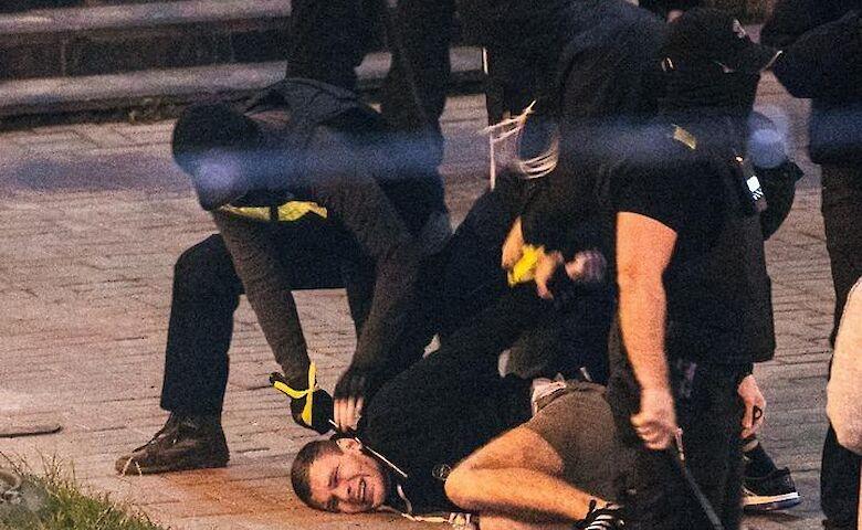 Стихийные протесты и жесткие разгоны: как прошла ночь после