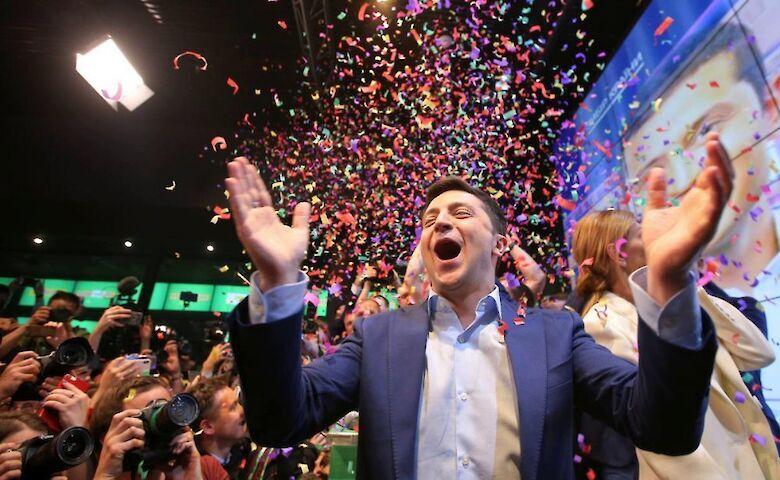 Зеленский показал, как начался его 43-й день рождения: фото