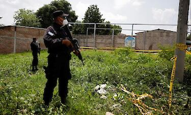 У Сальвадорі біля дому екс-поліцейського виявили тіла восьми жінок. Фото